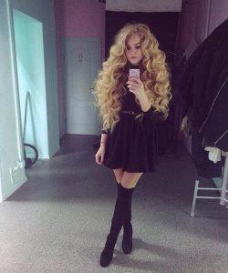 Девушка мастурбирует ищу шлюхи украинка в спб взрослым
