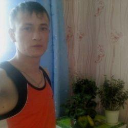 Молодой парень ищет девушку в Владимире для жарких свиданий